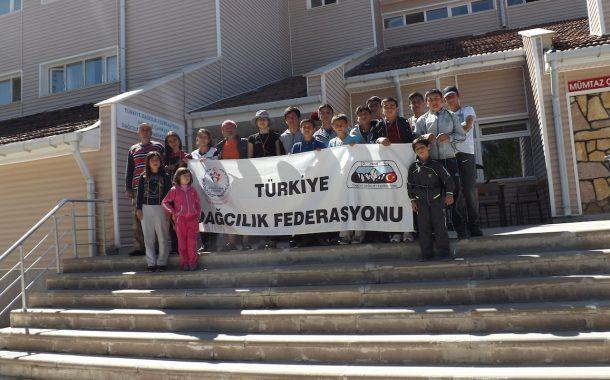 Niğde'de Gençlere Yönelik Dağcılık Tanıtım Kampı düzenlendi.