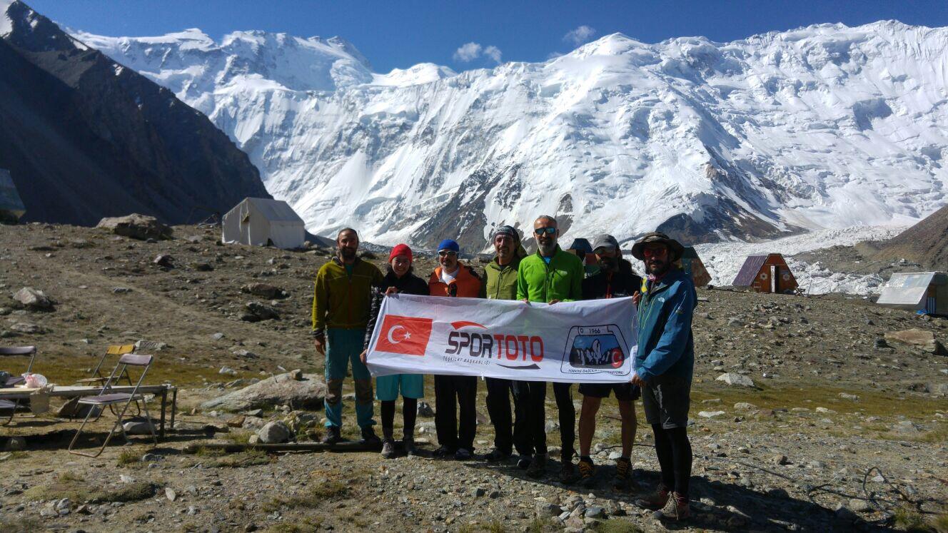 Korjenevskaya ekibimiz aklimatizasyon tırmanışlarını tamamladı.