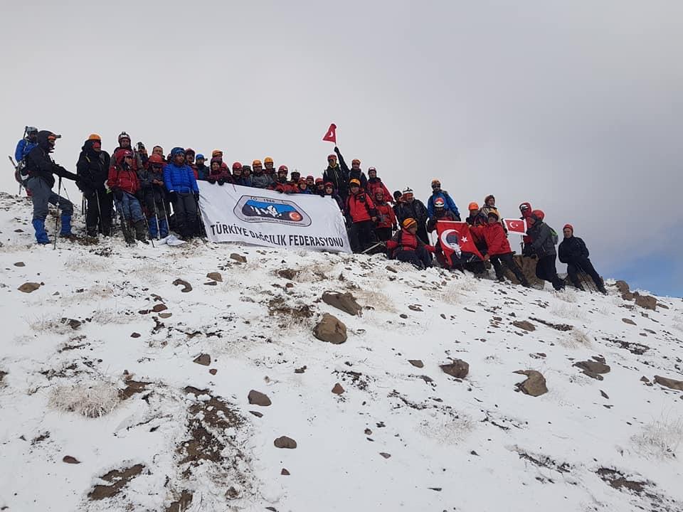 29 Ekim Uluslararası Erciyes Dağı Cumhuriyet Tırmanışı tamamlandı.