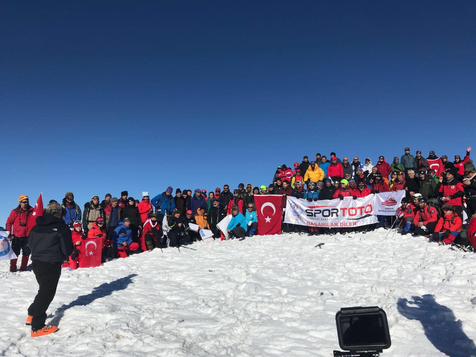 2018 Geleneksel Allahuekber Dağı Şehitleri Anma Tırmanışı tamamlandı.