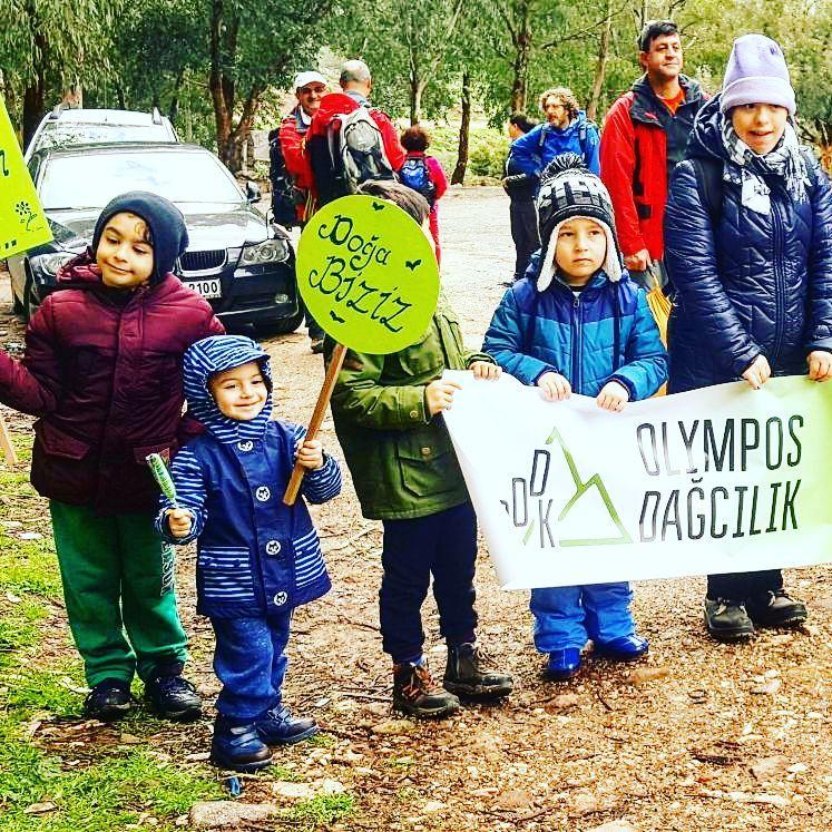 Olympos Dağcılık ve Doğa Sporları Kulübü'nden Çocuk Ormanı Yürüyüşü