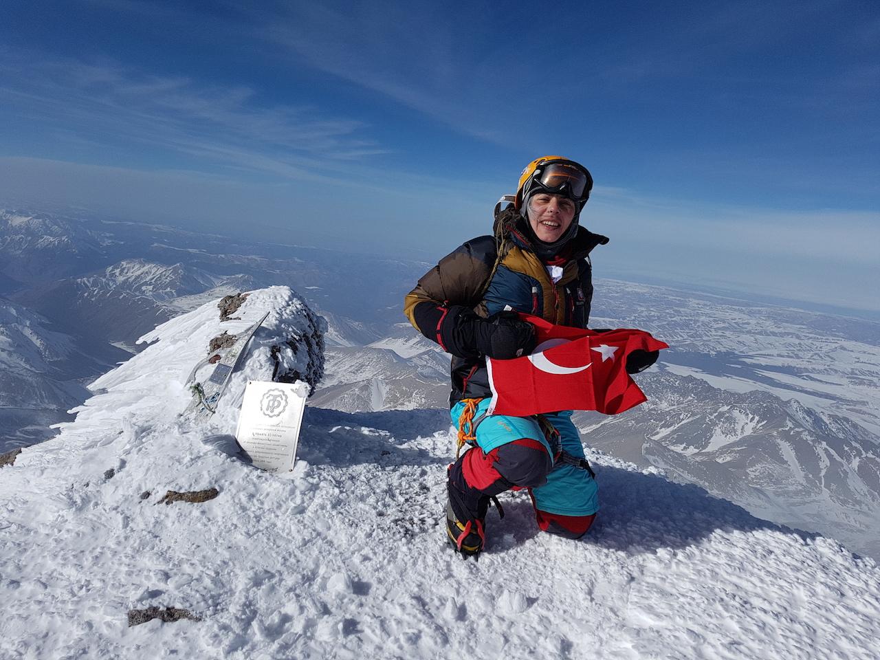 Elbruz Dağı Kış Tırmanışı gerçekleştirildi.