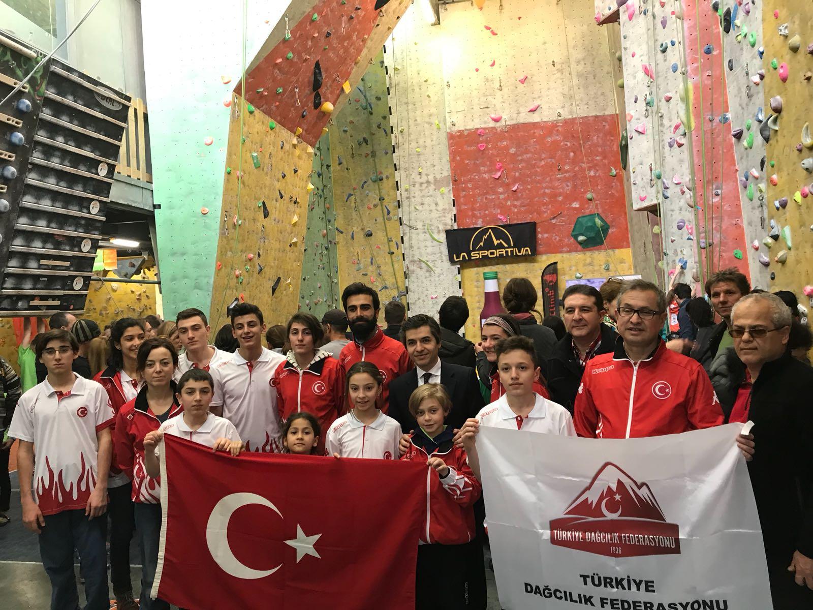 TDF Spor Tırmanış Milli Takımı Romanya'dan 4 Madalya ile dönüyor.