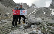 İDADİK Kafkasların GİDAN Zirvesi'nde ilk kez Türk Bayrağını dalgalandırdı.