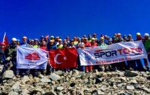 Uluslararası 30 Ağustos Zafer Tırmanışı Kaçkar Dağı'nda yapıldı.