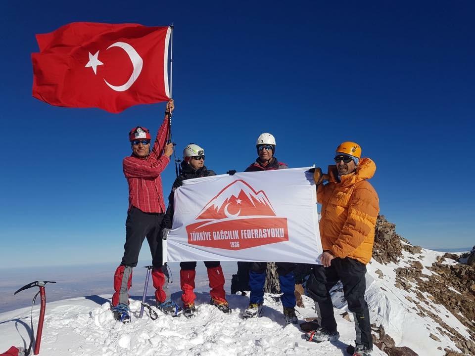 İl Temsilcilikleri ve Kulüplerimiz tarafından 29 Ekim Cumhuriyet Bayramı Tırmanışları düzenlendi.