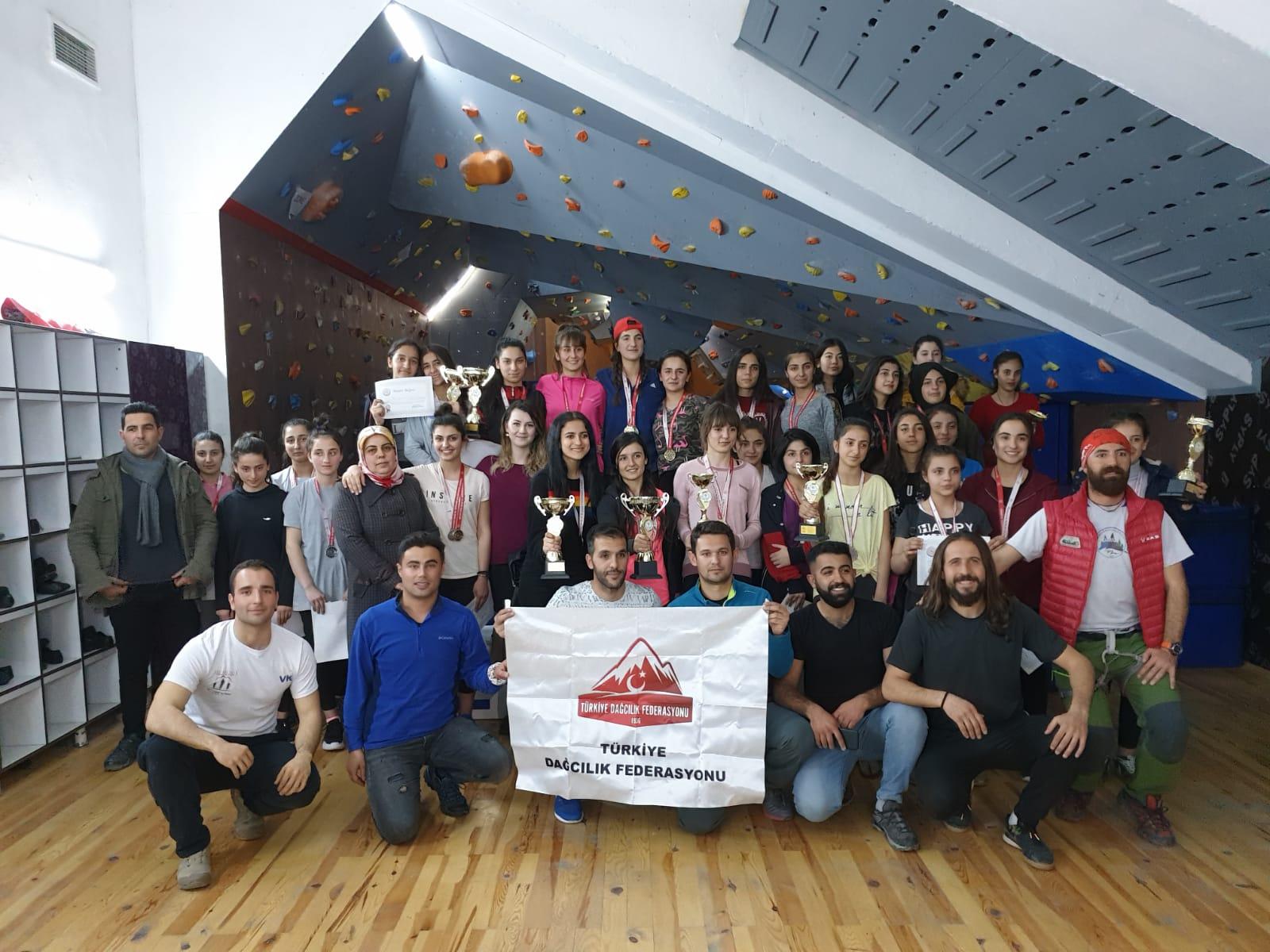 Van Okul Sporları İl Şampiyonası Tamamlandı