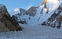 Gasherbrum I Yüksek İrtifa Ekibimiz ana kampa ulaştı.