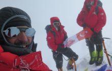 Bayrağımız 8058 metrelik Gasherbrum 1 Dağı'nda Zirvesinde dalgalandı.