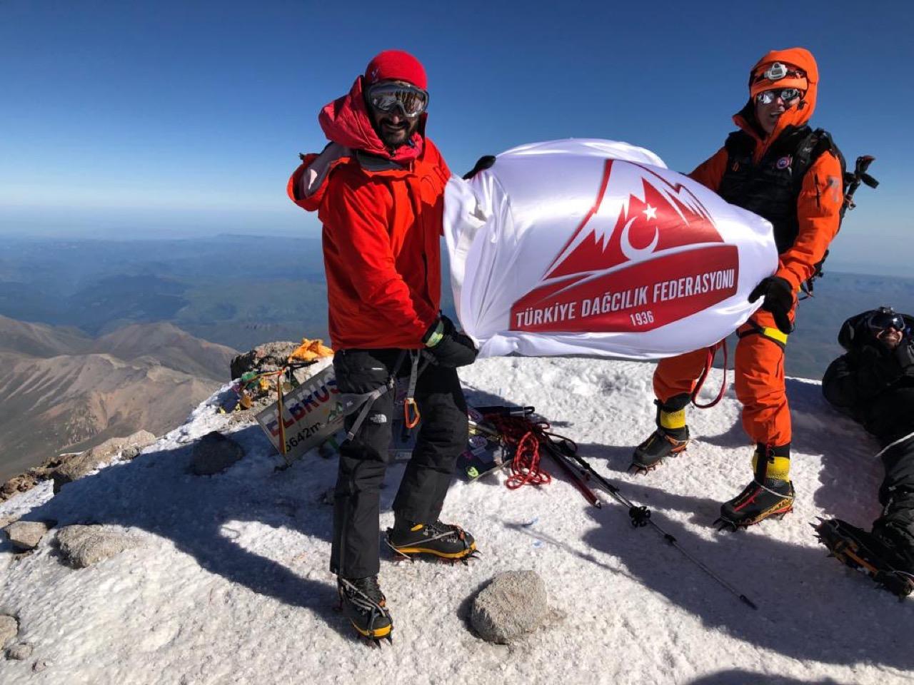 Van Patika DSK tarafından Elbruz Dağı tırmanışı gerçekleştirildi.
