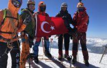 Farklı kulüplerimiz bir araya gelerek Kazbek Dağı zirve tırmanışını gerçekleştirdi.