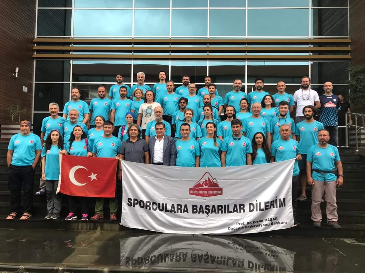 Buzul Eğitimleri Kazbek ve Kaçkar Dağları'nda tamamlandı.