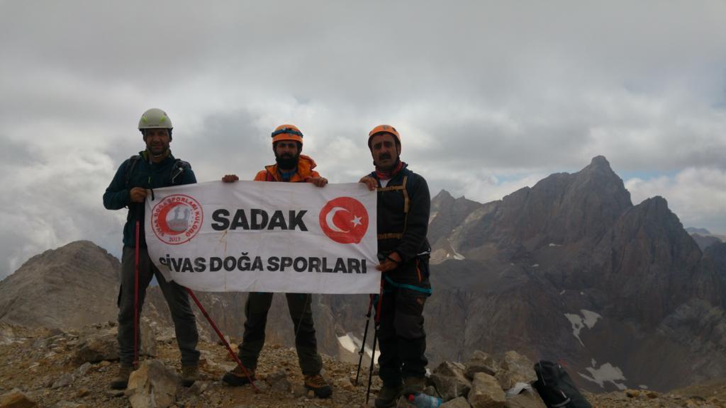 SADAK Aladağlar'da çeşitli tırmanışlar düzenledi.