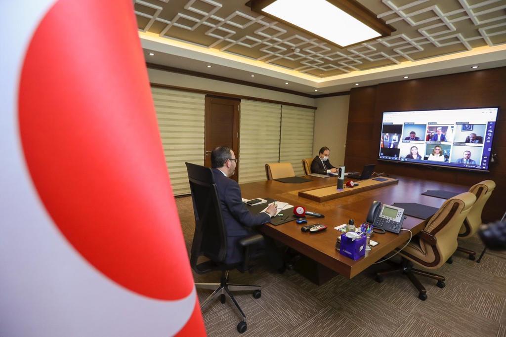 Gençlik ve Spor Bakanı Dr. M.Muharrem Kasapoğlu Federasyon Başkanları İle Video Konferans Yöntemi İle Toplantı Yaptı