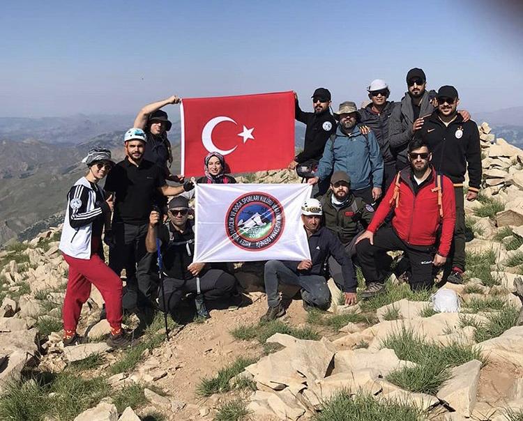 Sülbüs Dağı Zirve Tırmanışı gerçekleştirildi.