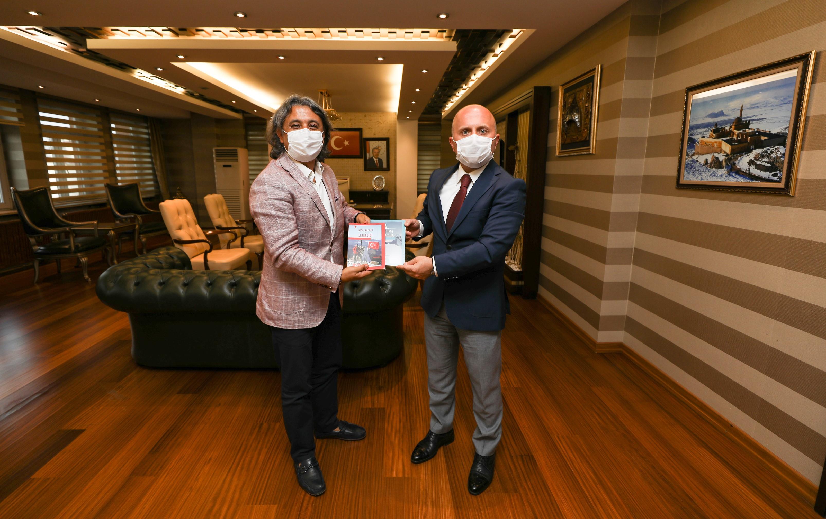 Federasyon Başkanımız Ağrı Valisi, Belediye Başkanı ile Gençlik ve Spor İl Müdürümüzü ziyaret etti